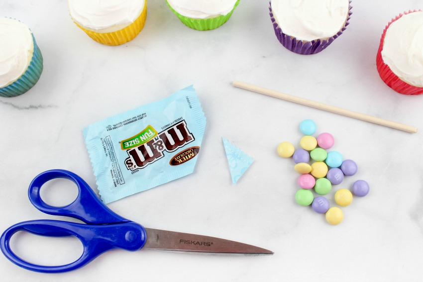 Gravity M&M Easter Cupcakes Recipe process
