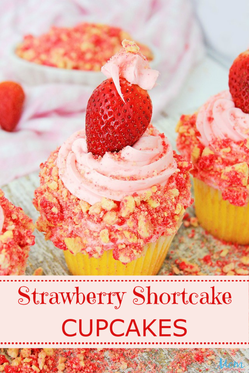 Strawberry Shortcake Cupcakes #Recipe #sweets #strawberryshortcake