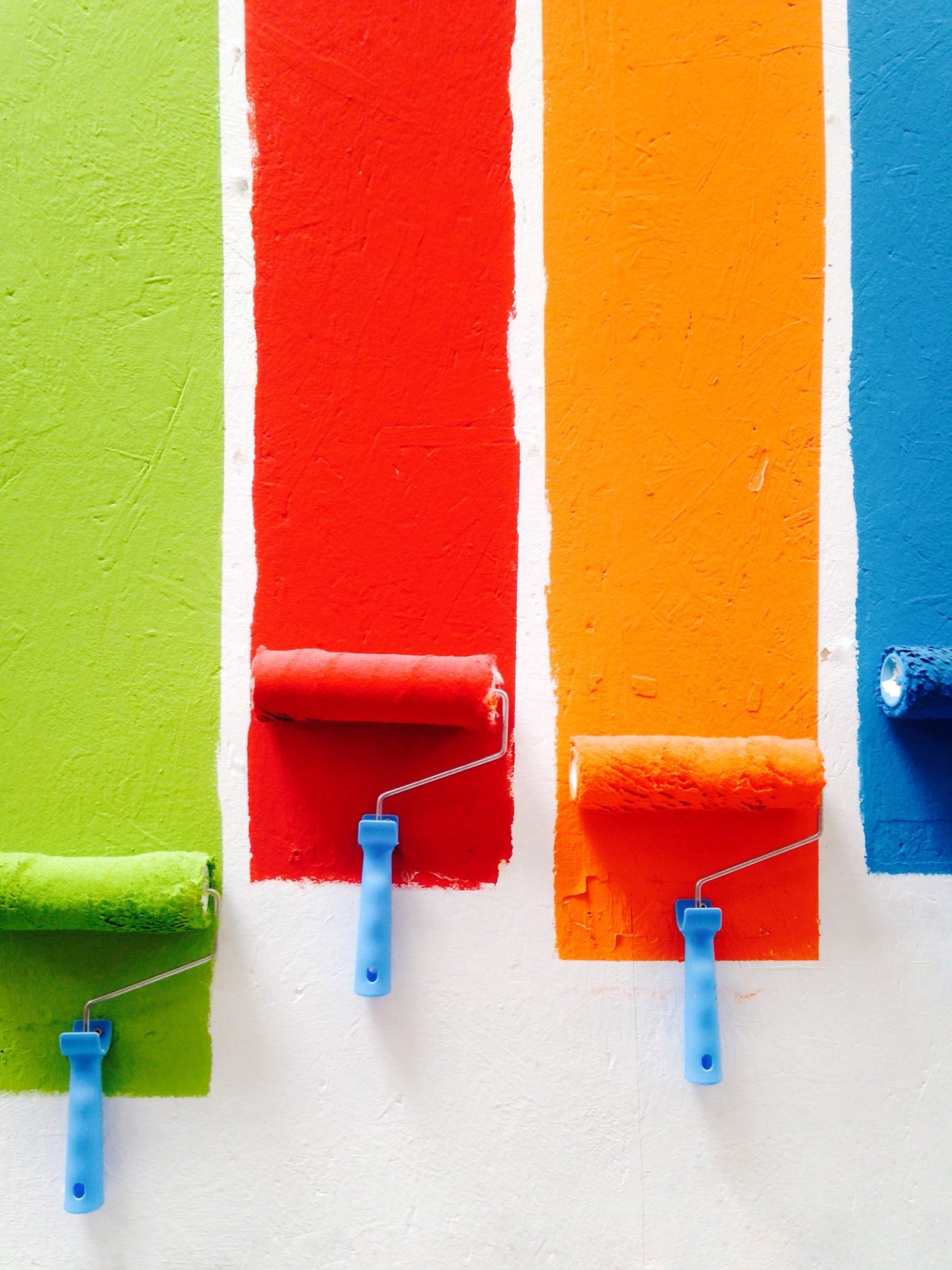 5 Essential Things to Consider When Hiring an Interior Home Painter