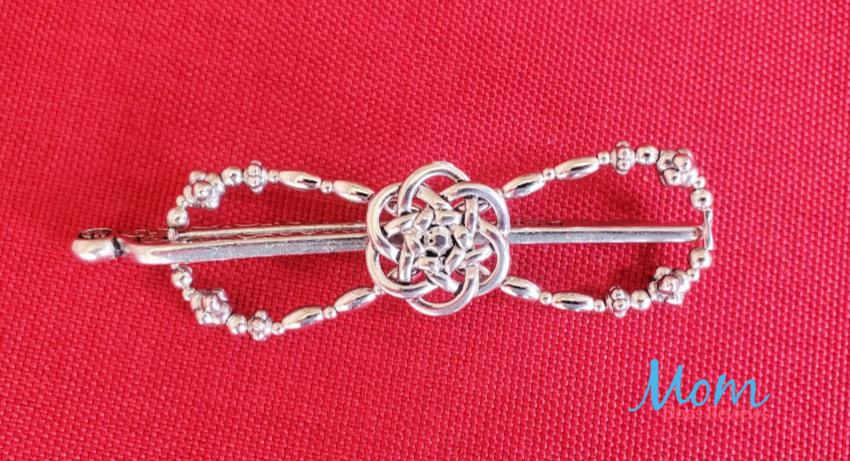 knot hair clip