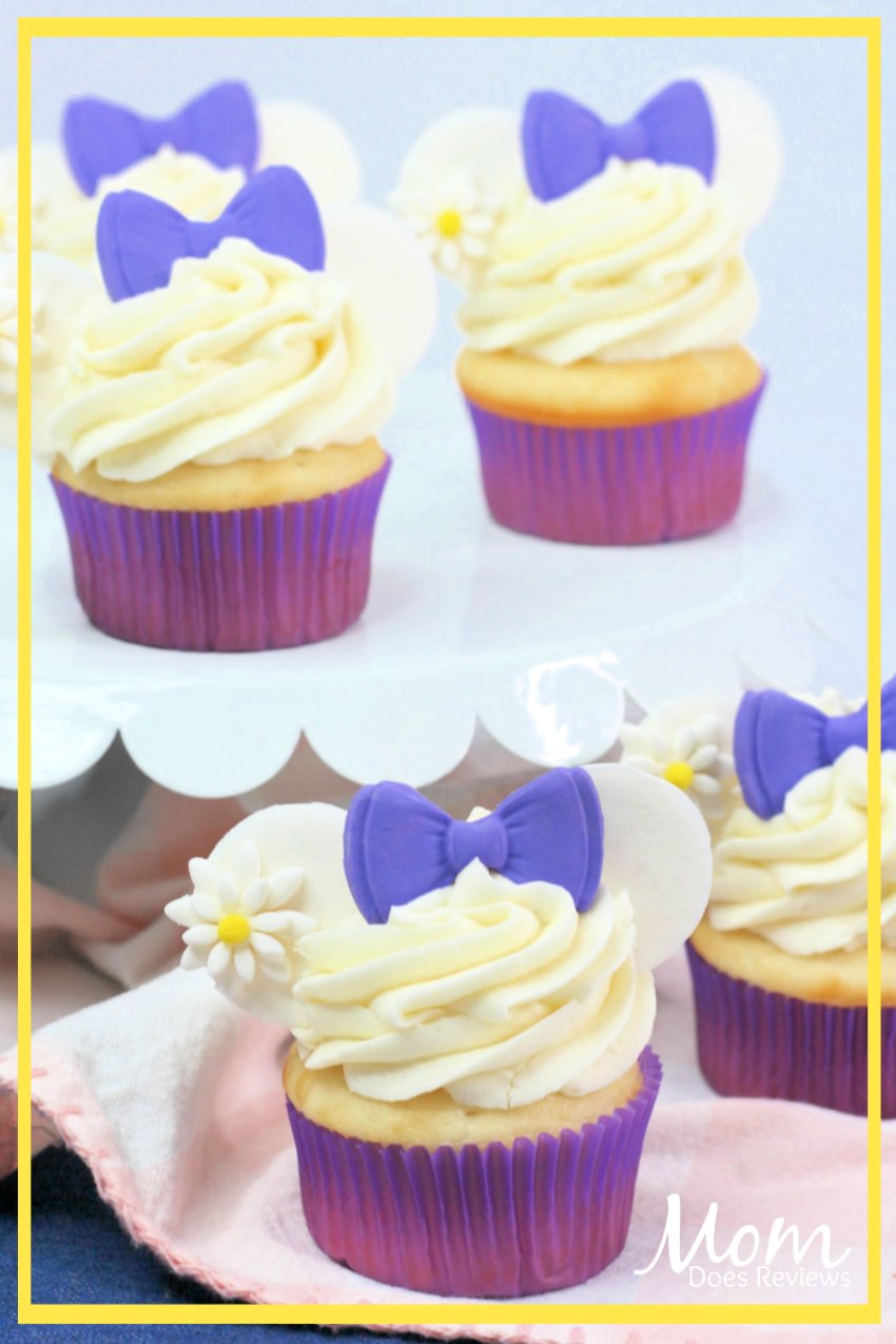 Daisy Duck Cupcakes with Homemade Vanilla frosting #disney #recipe #desserts #sweets #cupcakes