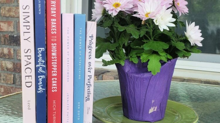 Update Mom's Summer Reading Bookshelf with Books from Quarto Knows