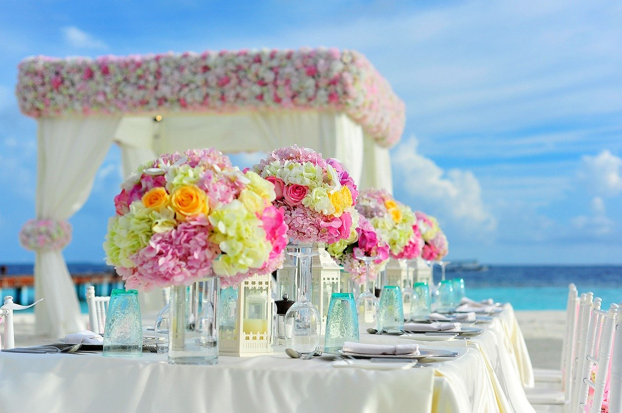 How to Plan an Exclusive Wedding and Stay Under Budget