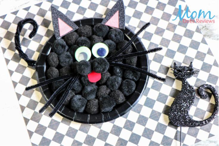Make this Black Cat Pom Pom Plate Craft!