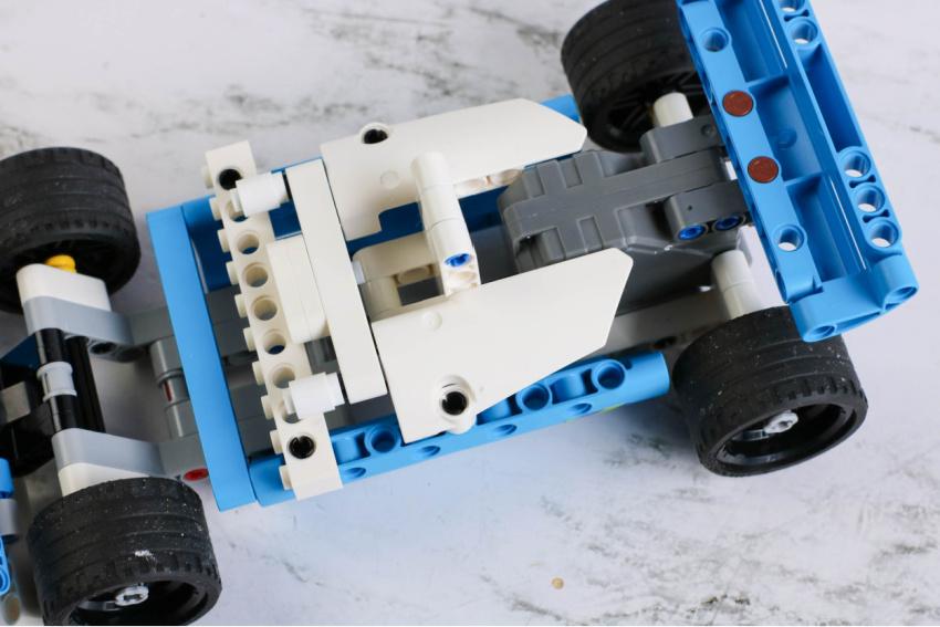 LEGO Pull-Back Indy Car Craft process