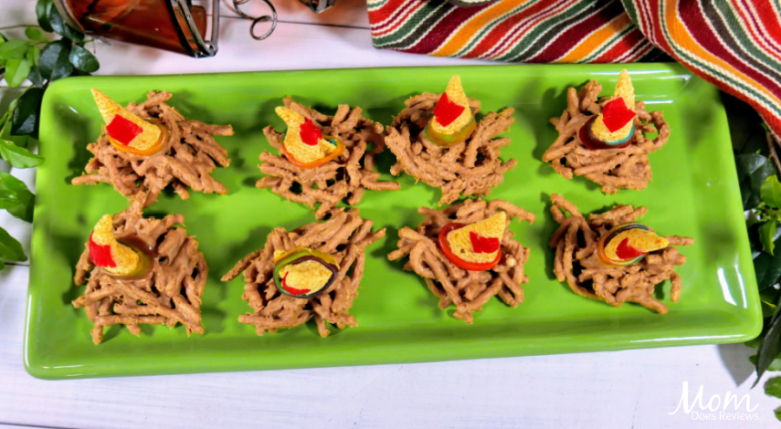 Silly Scarecrow Butterscotch Hat Snacks #funfood #fallfood #recipe #nobake