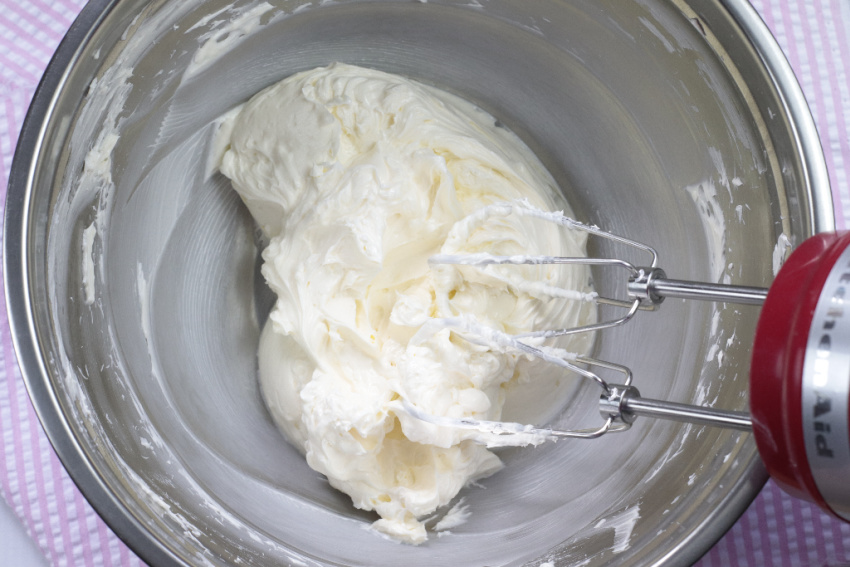 Buttercream Frosting process