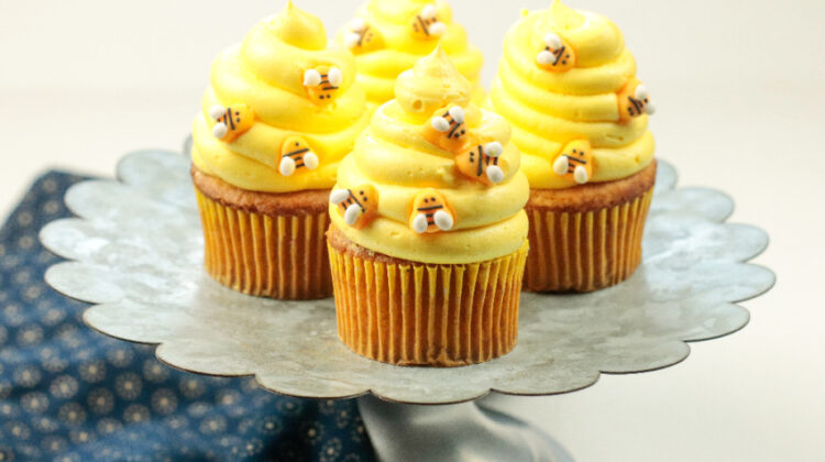 Honey Cinnamon Bumblebee Cupcakes with Honey Cinnamon Cream Cheese Frosting Recipe