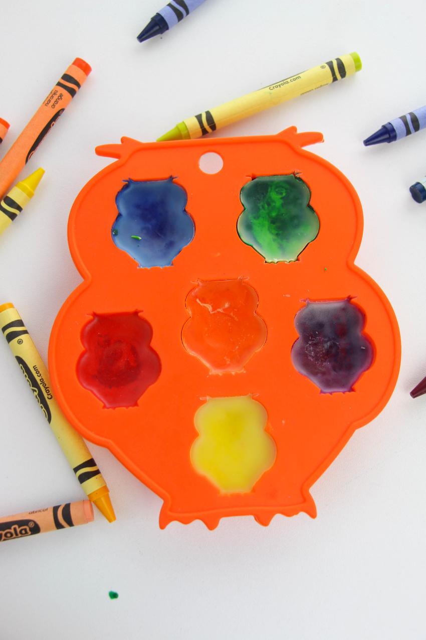 Owl Crayon Craft process