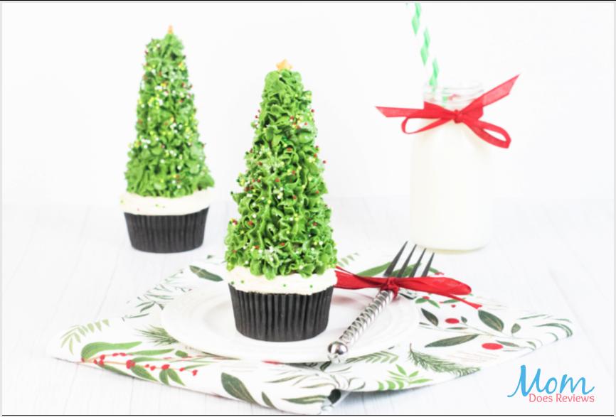 Beautiful Christmas Tree Cone Cupcakes