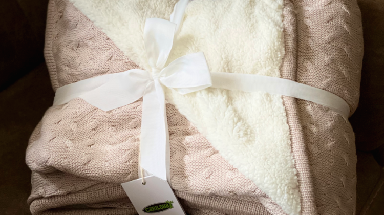 Get Comfy with Cariloha's Bamboo Sherpa-Lined Throw #MegaChristmas20
