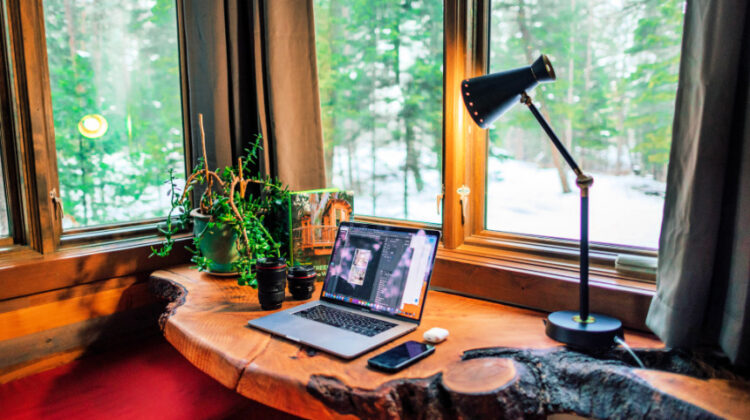 Brighten Up Your Home Office With These Tips