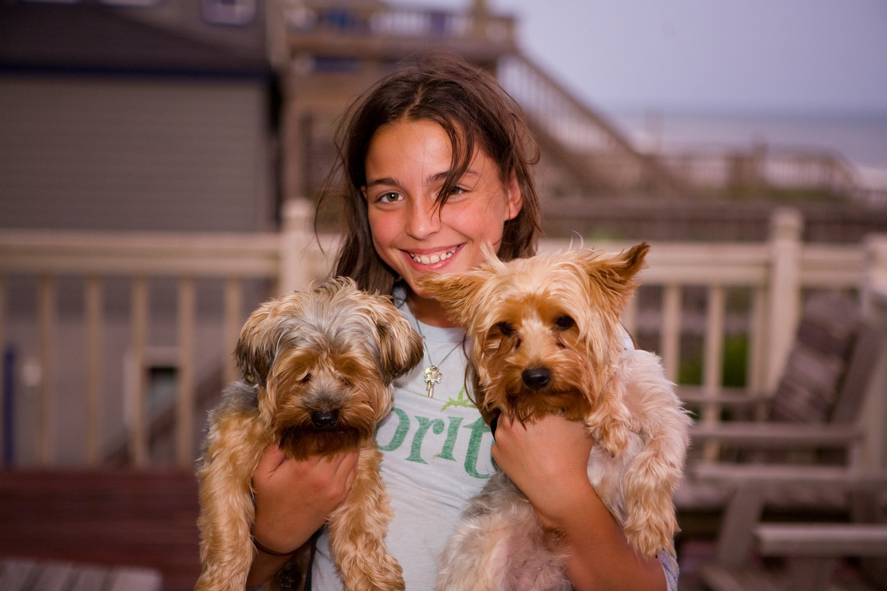 5 Benefits of Raising Your Little Ones in a Dog-Friendly Home