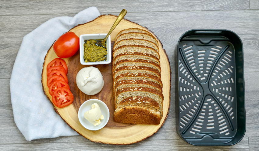 Air Fryer Tomato, Pesto & Fresh Mozzarella Grilled Cheese ingredients needed