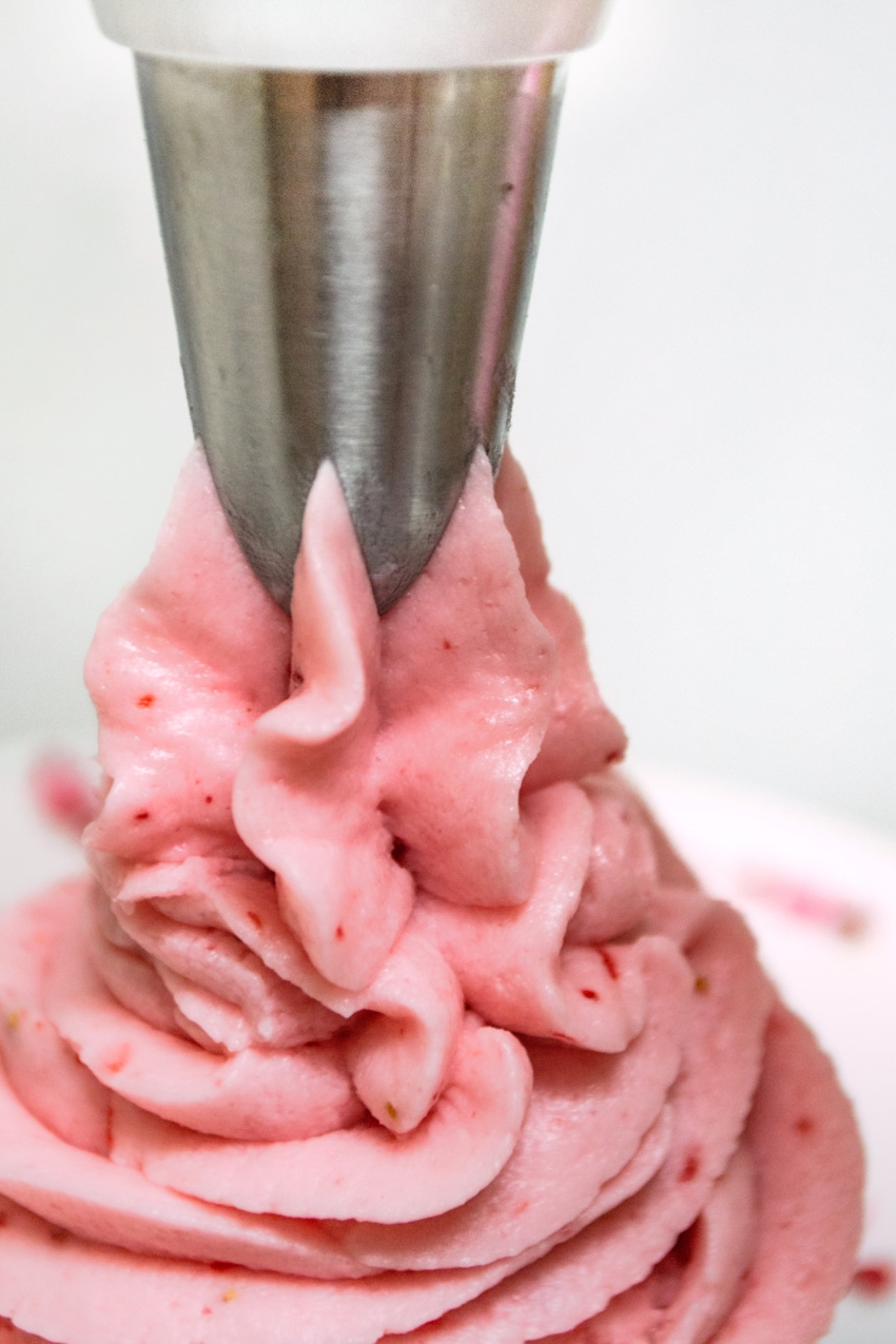 Strawberry Buttercream Frosting process