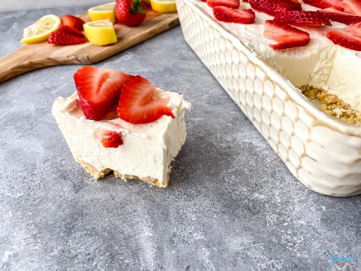 Strawberry Lemon Cheesecake Bars Recipe