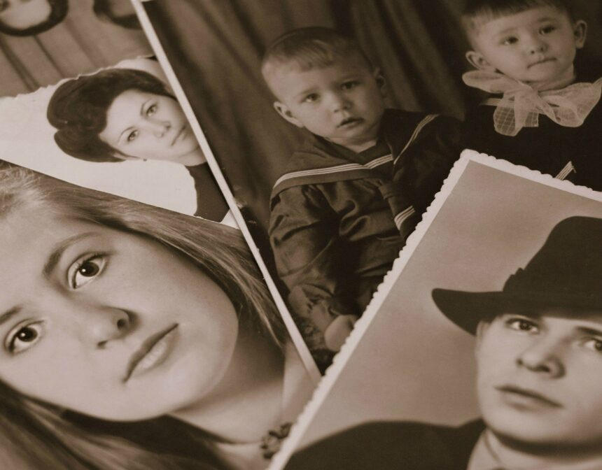 Reviving the Family Photo Album Tradition: 5 Reasons You Should Start Scrapbooking