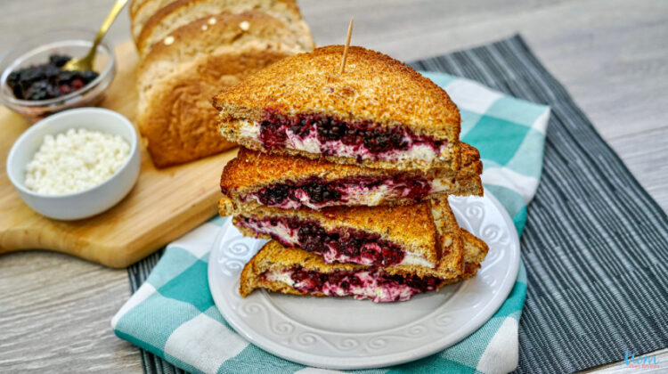 Air Fryer Blackberry & Goat Cheese Sandwich Recipe