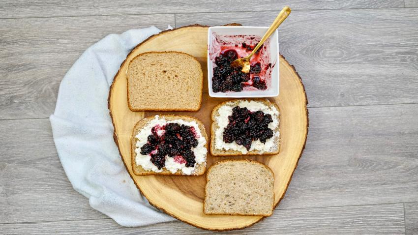 Air Fryer Blackberry & Goat Cheese Sandwich process