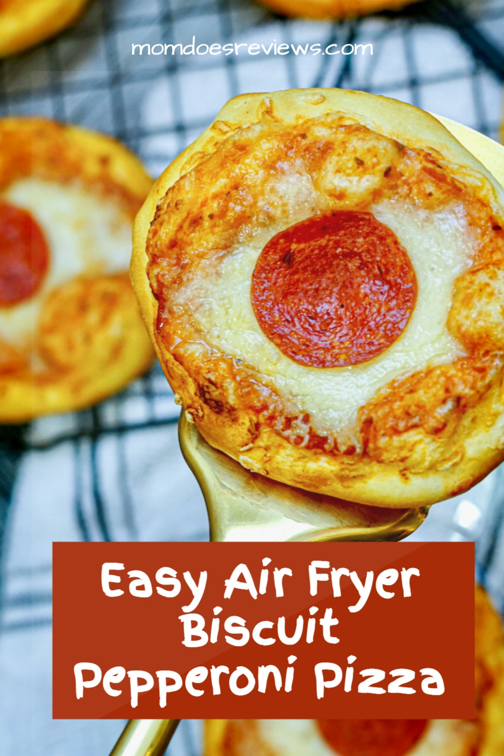 How to Make Air Fryer Biscuit Pepperoni Pizza#easypizza #biscuitpizza #funfood