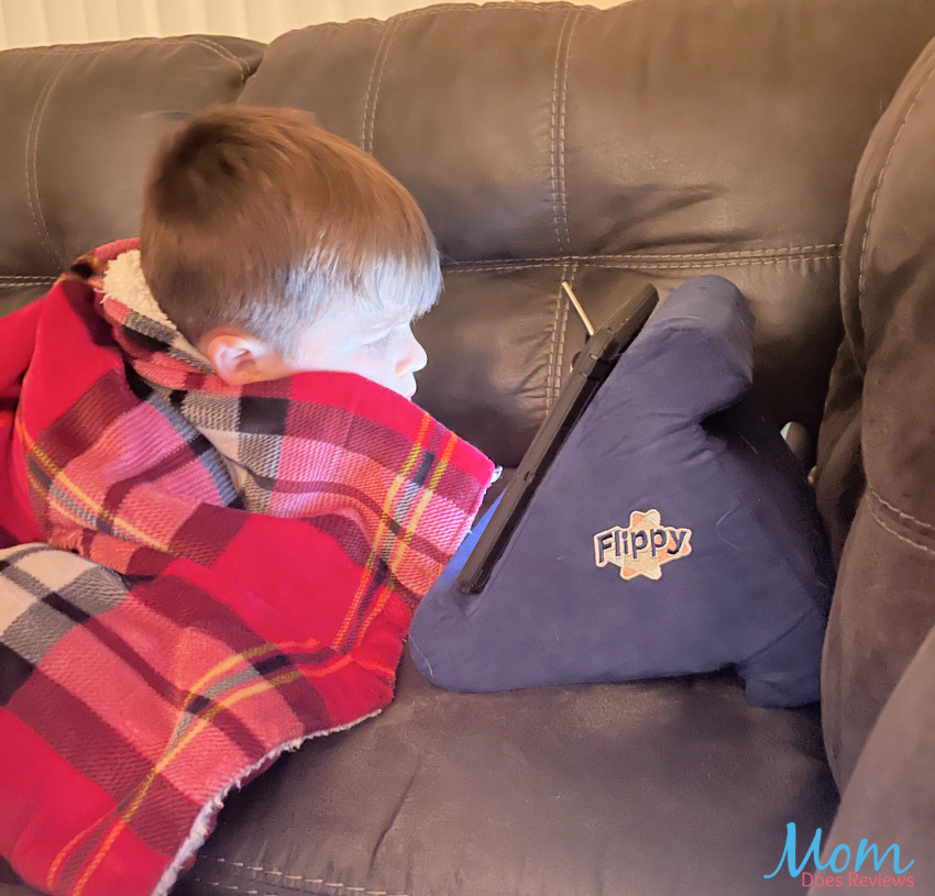 Watch Your Tablet Comfortably With The Flippy Tablet Pillow