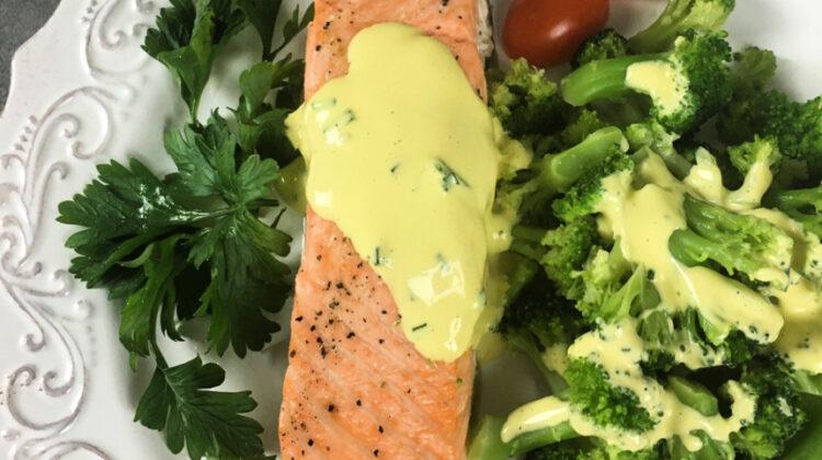 Keto Roasted Salmon with Hollandaise Sauce #recipe #salmondish #ketorecipe