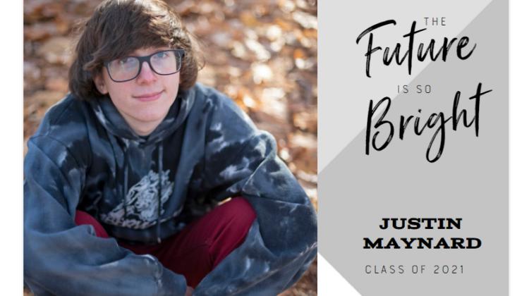 Create Photo Invites for Your Graduate with Mixbook #SpringintoSummerFun
