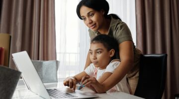 4 Tips To Help Your Child Succeed At School
