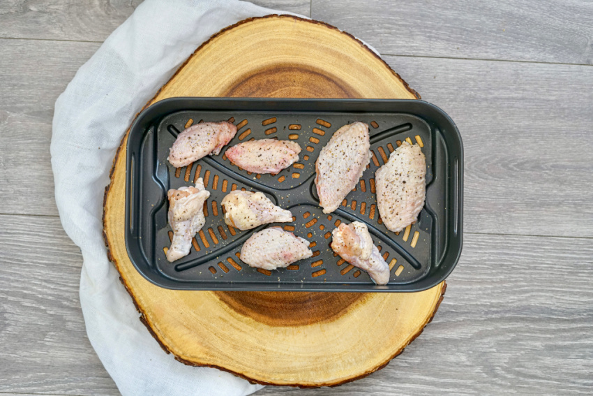 Air Fryer BBQ Chicken Wings process