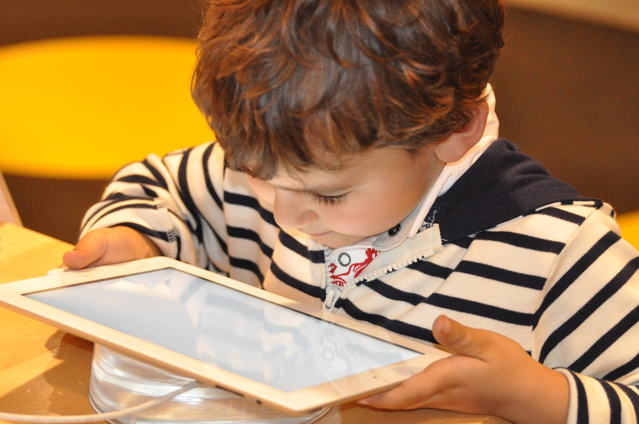Vital Ways To Keep Your Child Safe Online