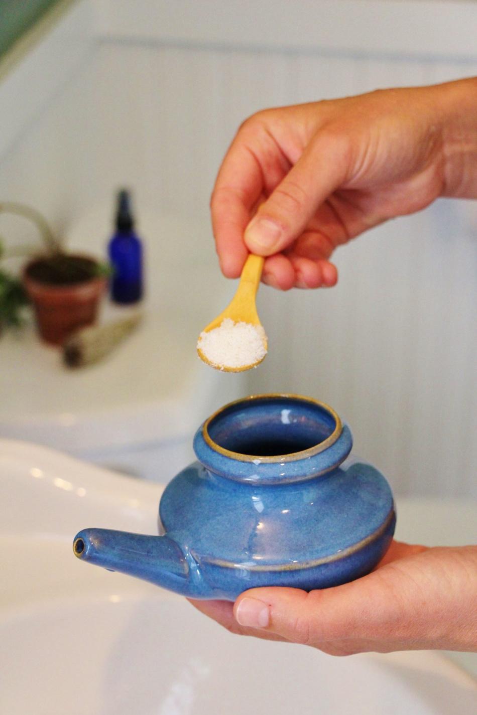 salt into Baraka Neti pot
