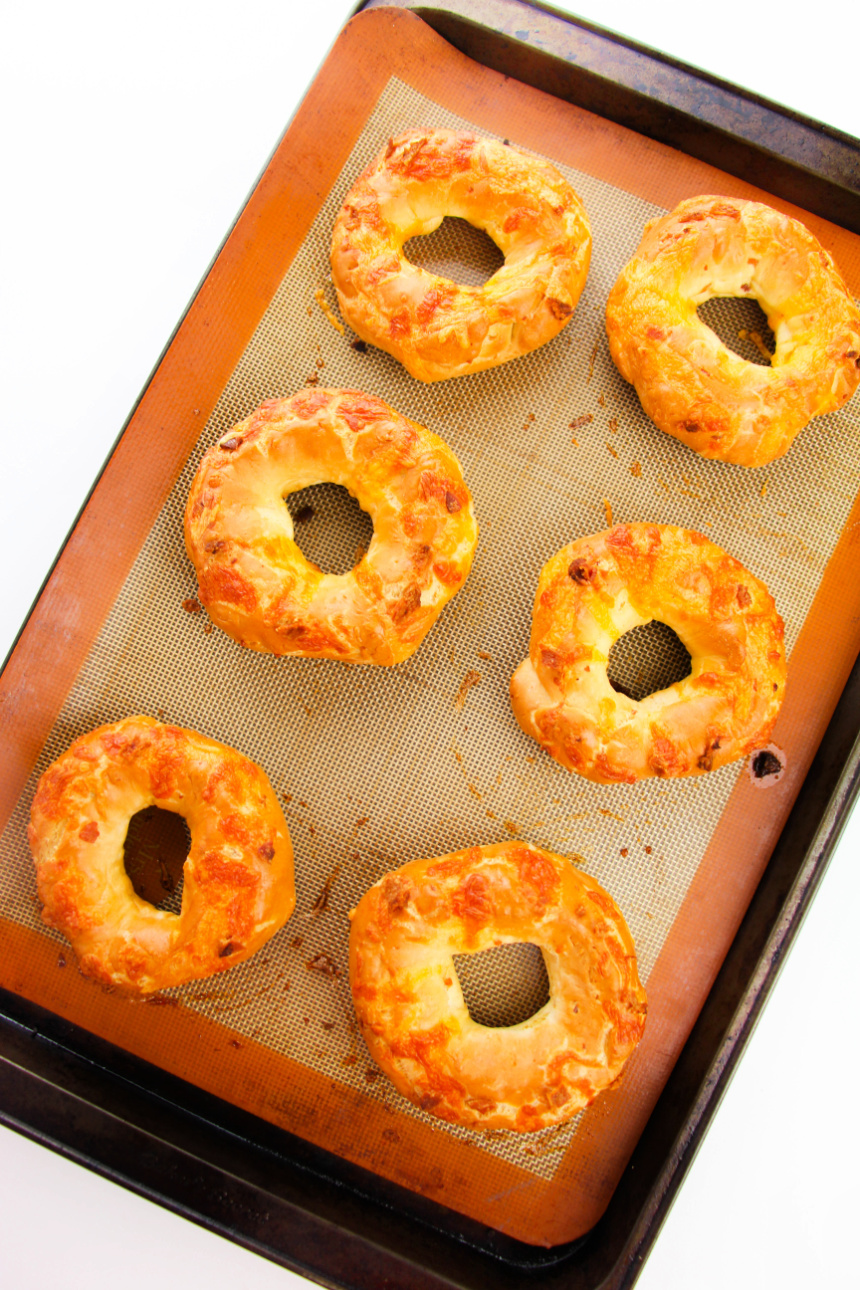 How to Make Cheddar Bacon Bagels
