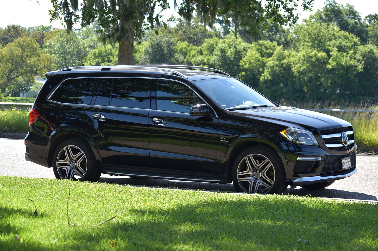 A Quick Guide for Buying the Safest and Most Reliable Family Vehicle