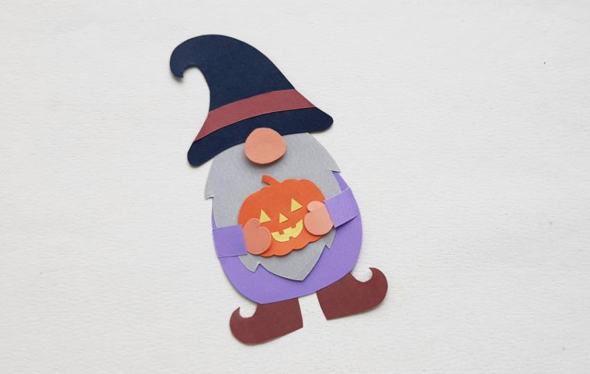 Halloween Gnome Paper Craft process