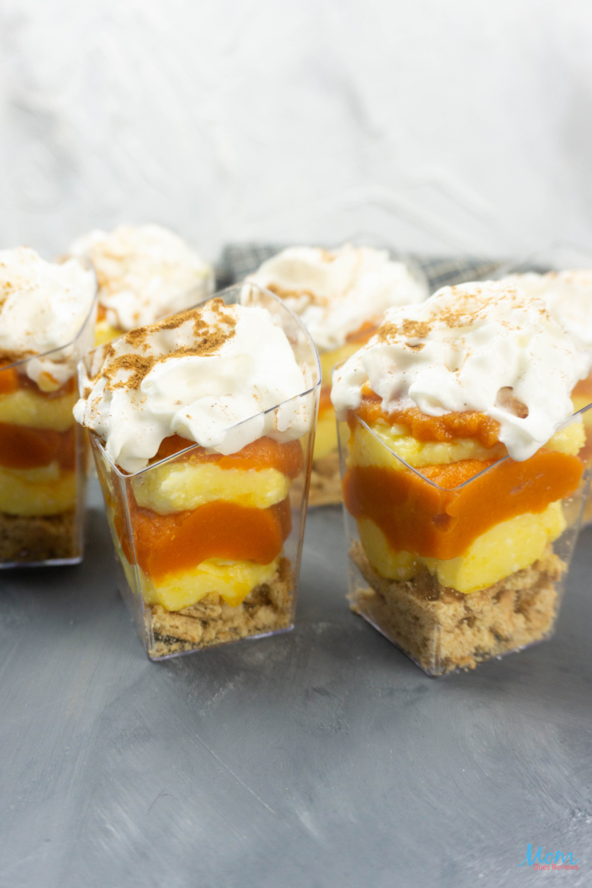 Pumpkin Vanilla Cheesecake Mini Trifles #Recipe #pumpkin #desserts #nobake