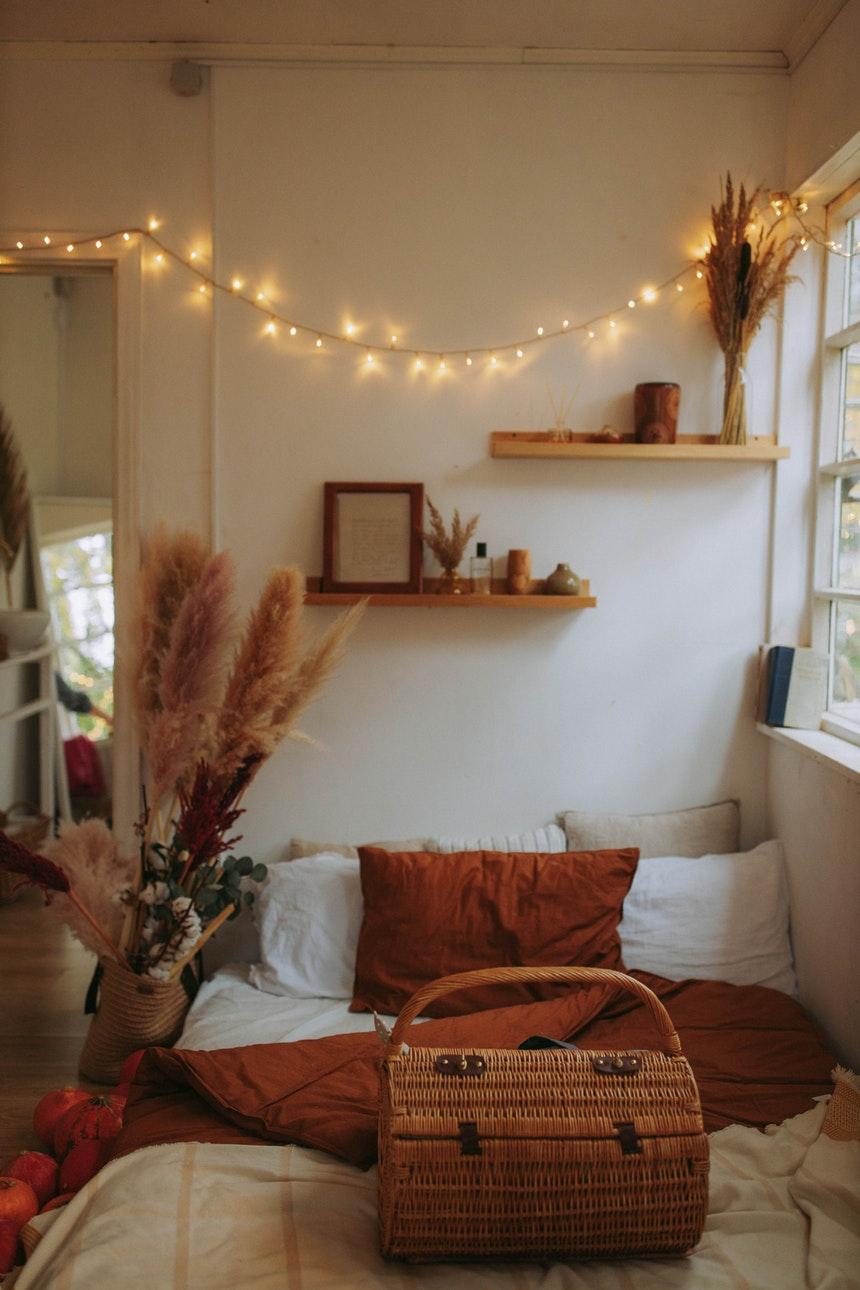 13 Cozy Bedroom Ideas to Enjoy Winter
