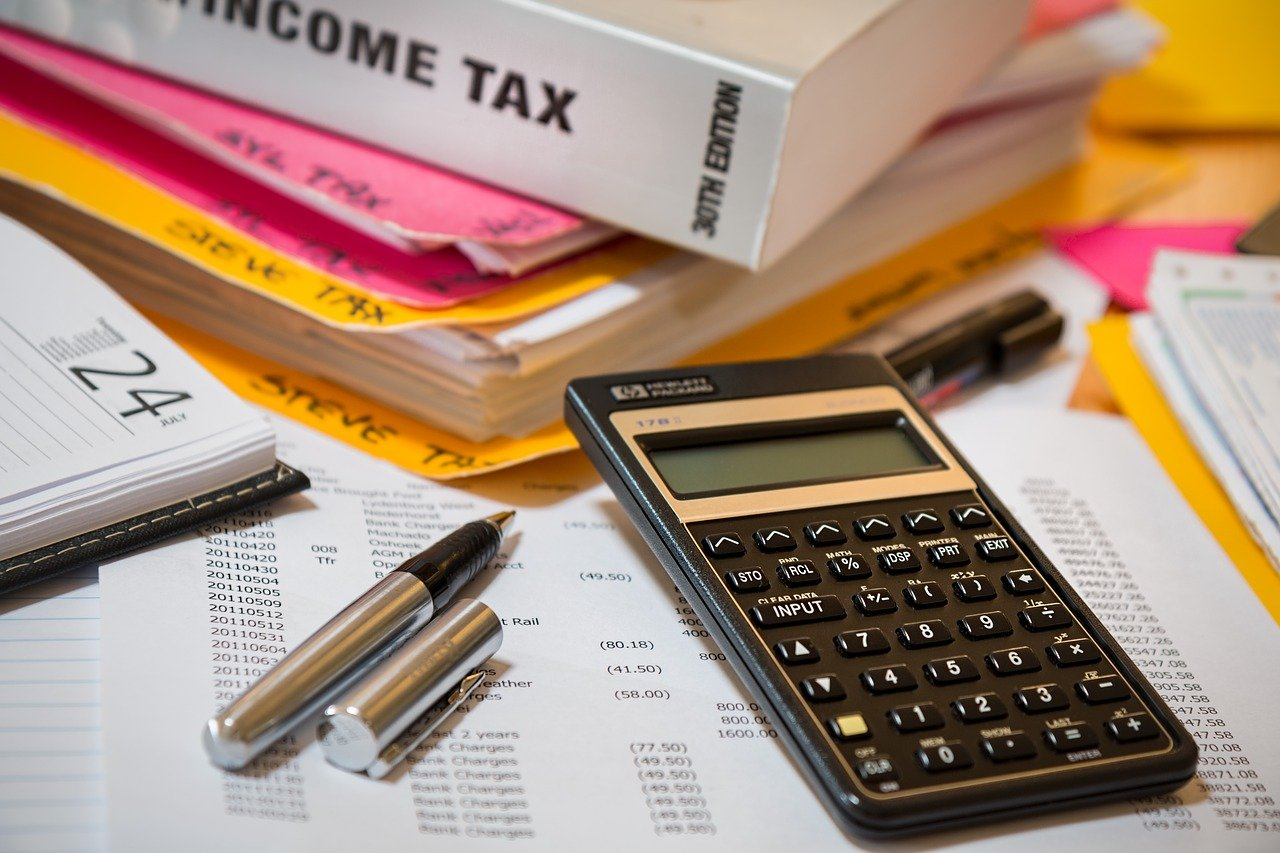 How To Make A Budget Plan For Your Non-essentials & Luxuries